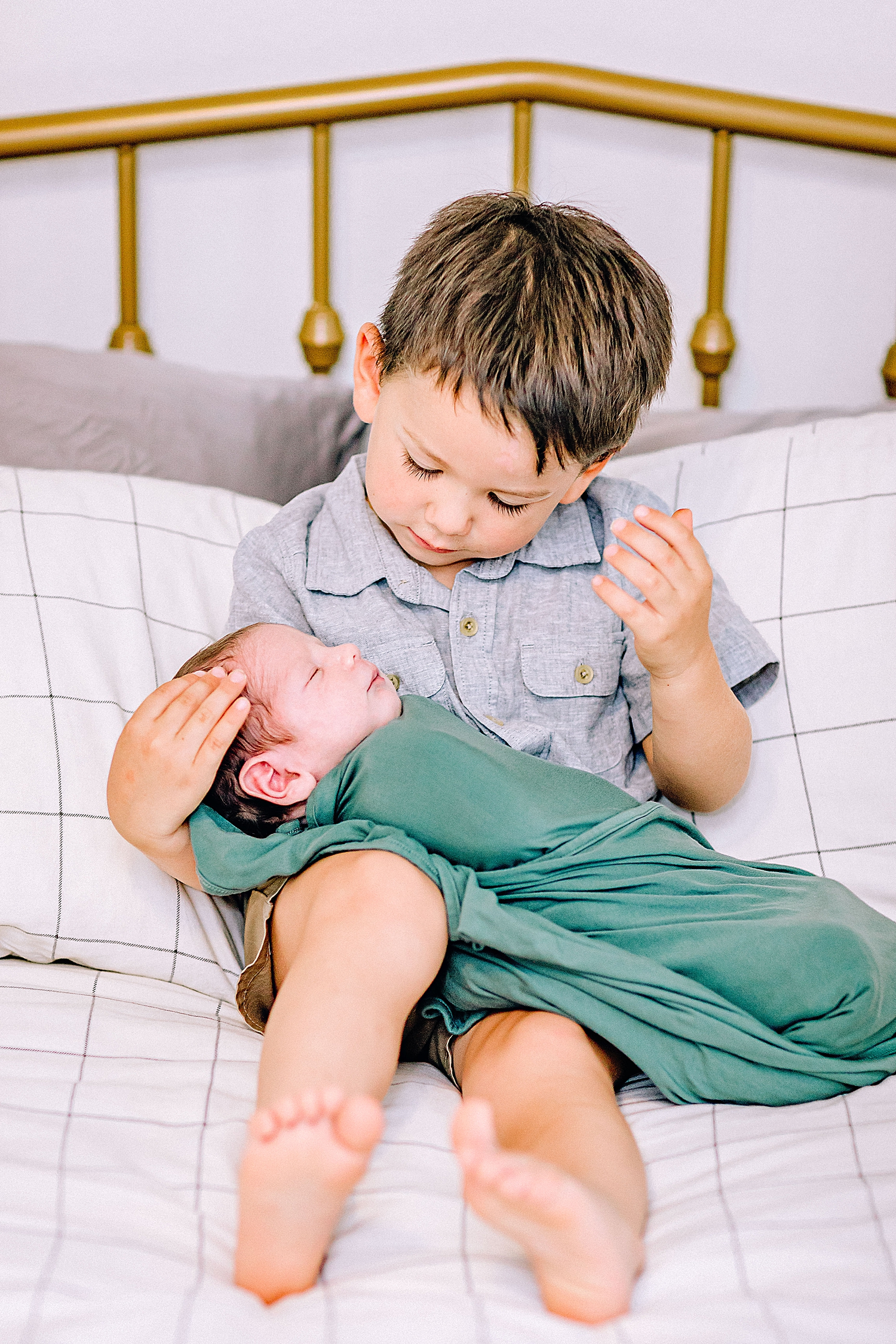 Carly-Barton-Photography-Lifestyle-Newborn-Photographer-Brothers-Family-Photos-Texas_0022.jpg