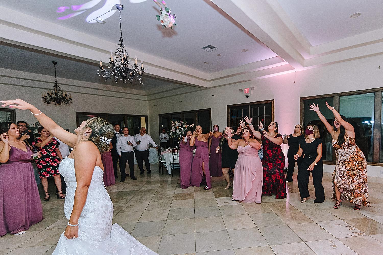 Carly-Barton-Photography-The-Villa-at-Cielo-Vista-Blush-Gold-White-Wedding-Photos_0060.jpg