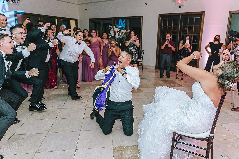 Carly-Barton-Photography-The-Villa-at-Cielo-Vista-Blush-Gold-White-Wedding-Photos_0064.jpg