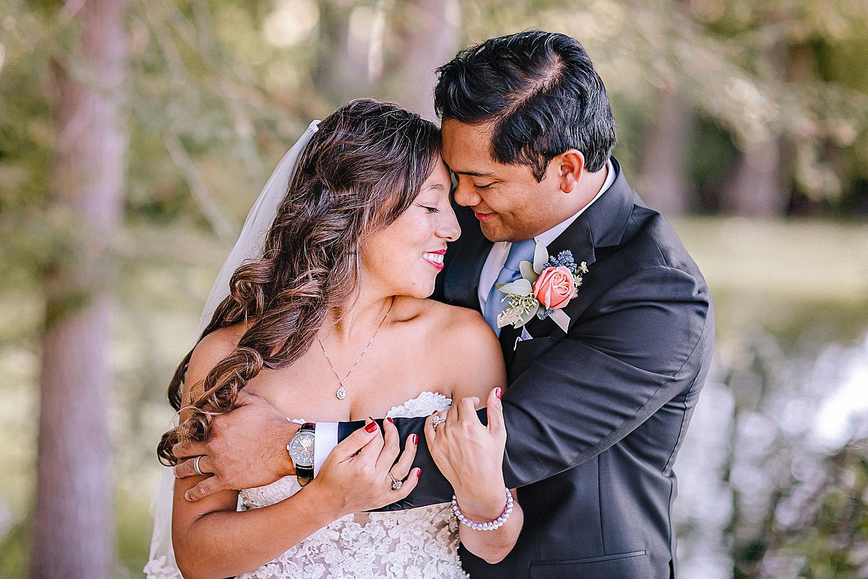 Bandera-Texas-Wedding-Photographer-Bride-Groom-on-Horses-Carly-Barton-Photography_0123.jpg