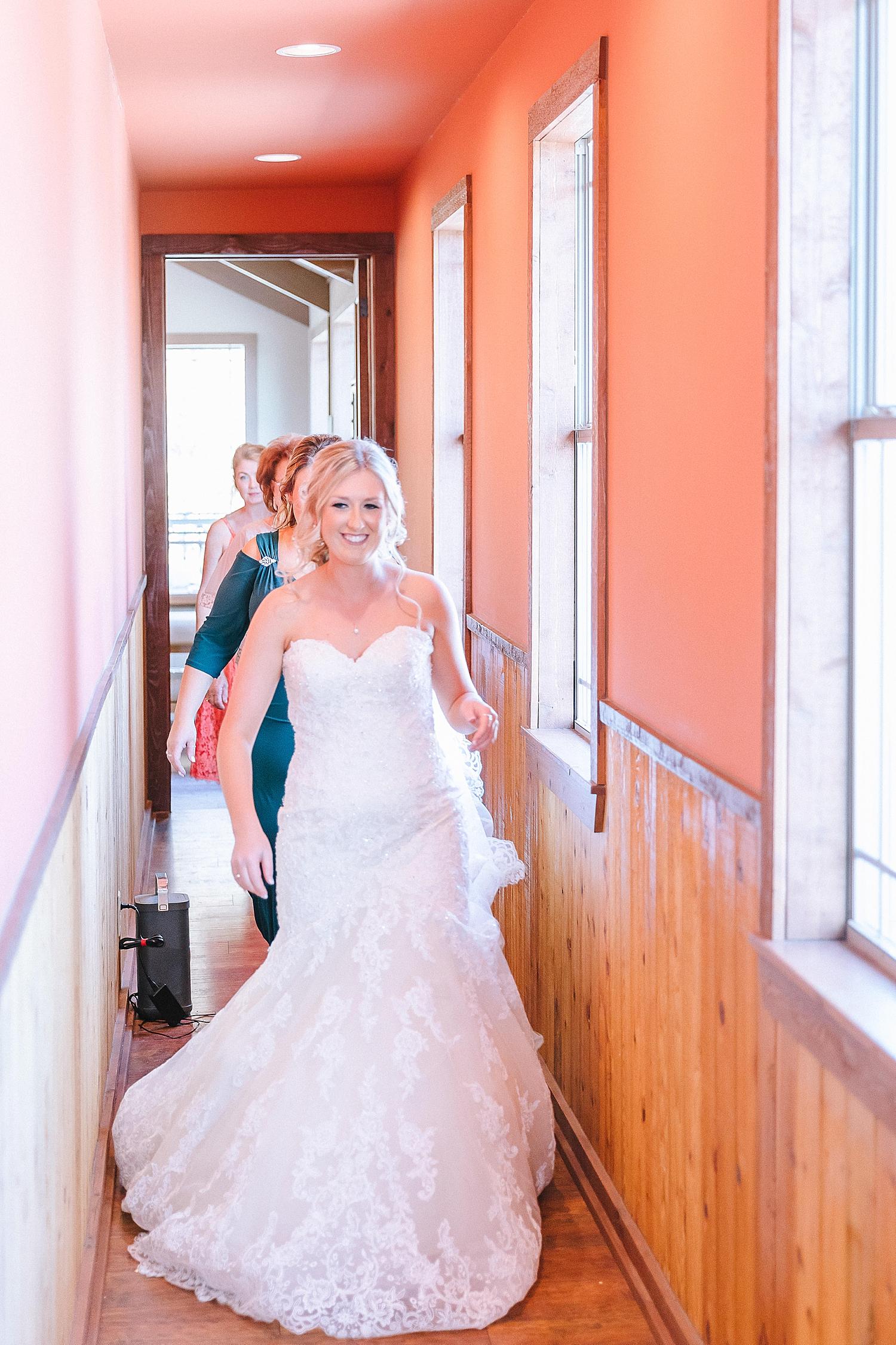Rackler-Ranch-LaVernia-Texas-Wedding-Carly-Barton-Photography_0023.jpg