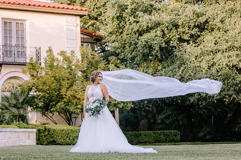 San-Antonio-Weddings-Bridal-Photos-Carly-Barton-Photography_0001.jpg