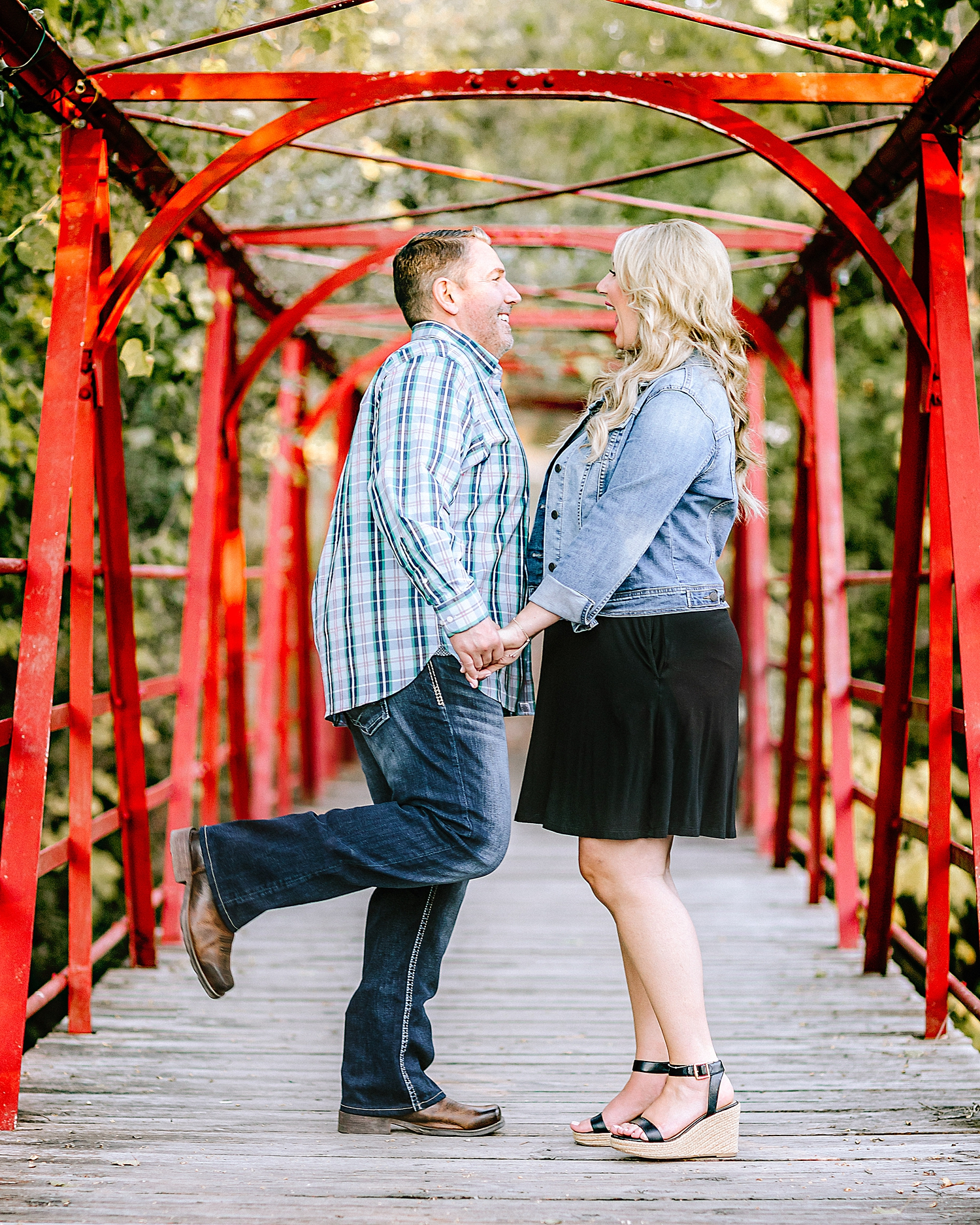 Engagement-Photo-Session-University-of-Incarnate-Word-UIW-San-Antonio-Texas-Carly-Barton-Photography_0001.jpg