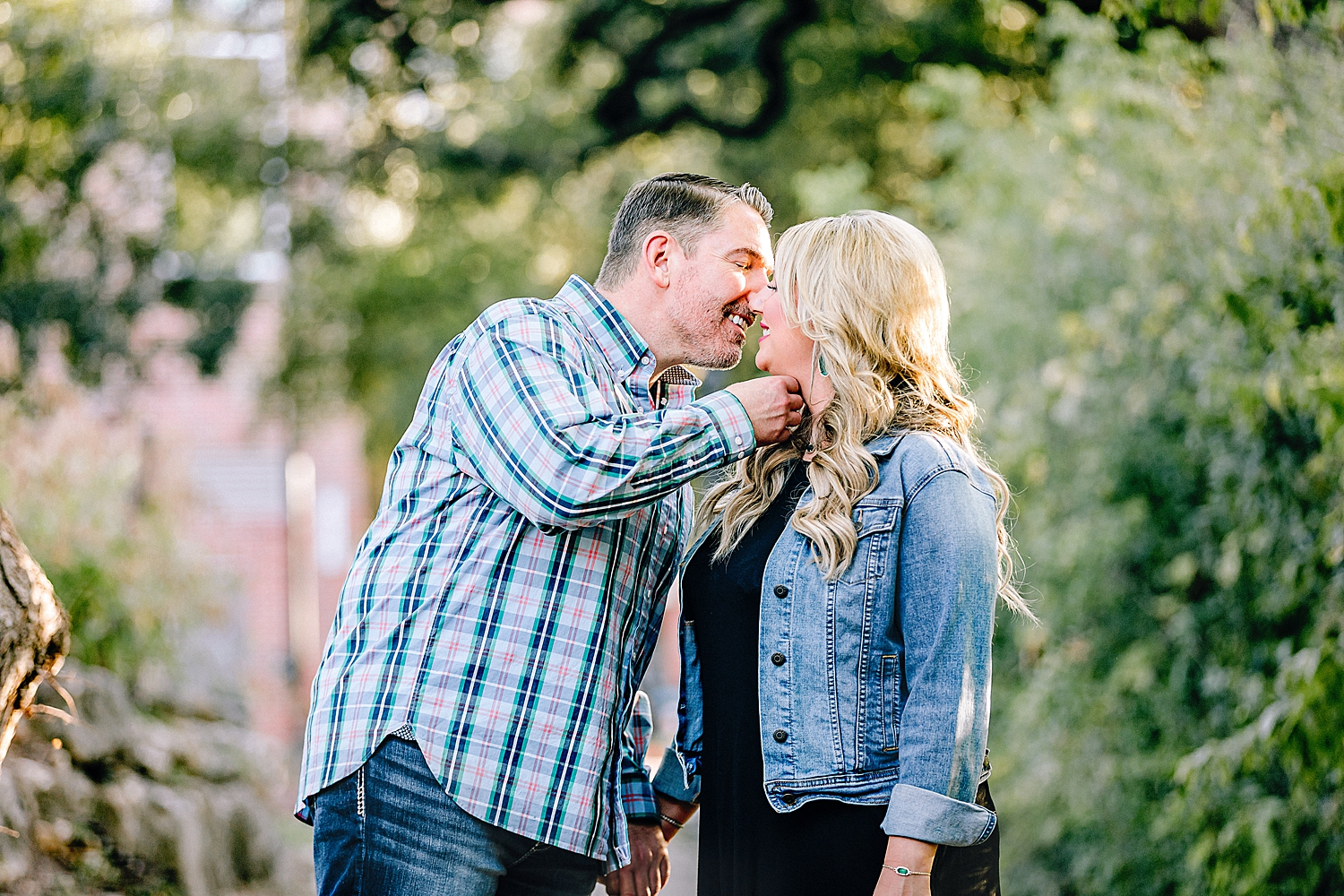 Engagement-Photo-Session-University-of-Incarnate-Word-UIW-San-Antonio-Texas-Carly-Barton-Photography_0016.jpg