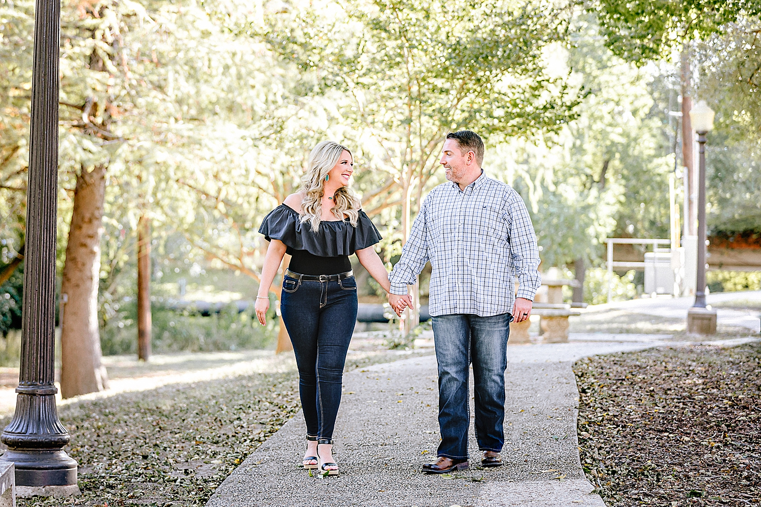 Engagement-Photo-Session-University-of-Incarnate-Word-UIW-San-Antonio-Texas-Carly-Barton-Photography_0028.jpg