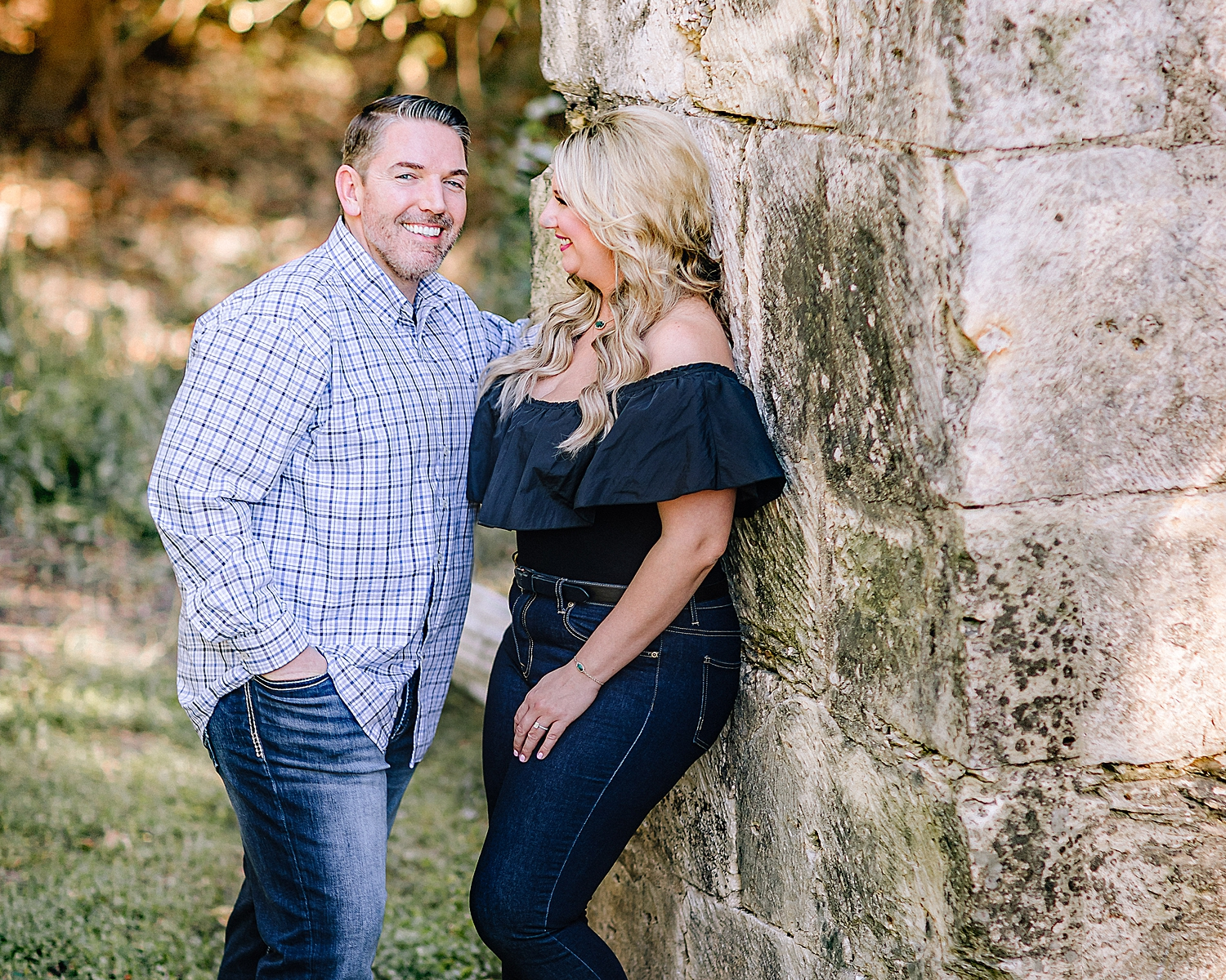 Engagement-Photo-Session-University-of-Incarnate-Word-UIW-San-Antonio-Texas-Carly-Barton-Photography_0030.jpg