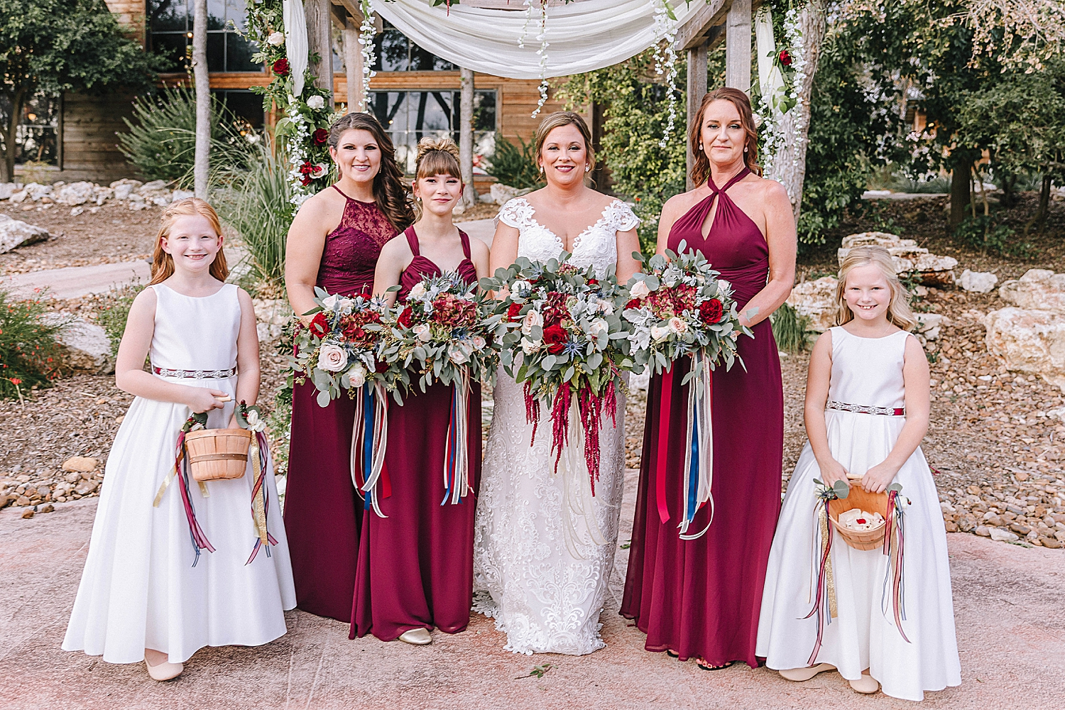 Geronimo-Oaks-Wedding-Venue-Seguin-Texas-Elegant-Navy-Burgundy-Wedding-Carly-Barton-Photography_0034.jpg
