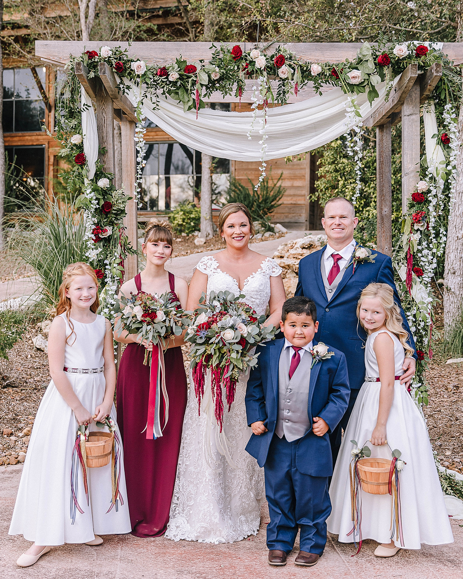 Geronimo-Oaks-Wedding-Venue-Seguin-Texas-Elegant-Navy-Burgundy-Wedding-Carly-Barton-Photography_0035.jpg