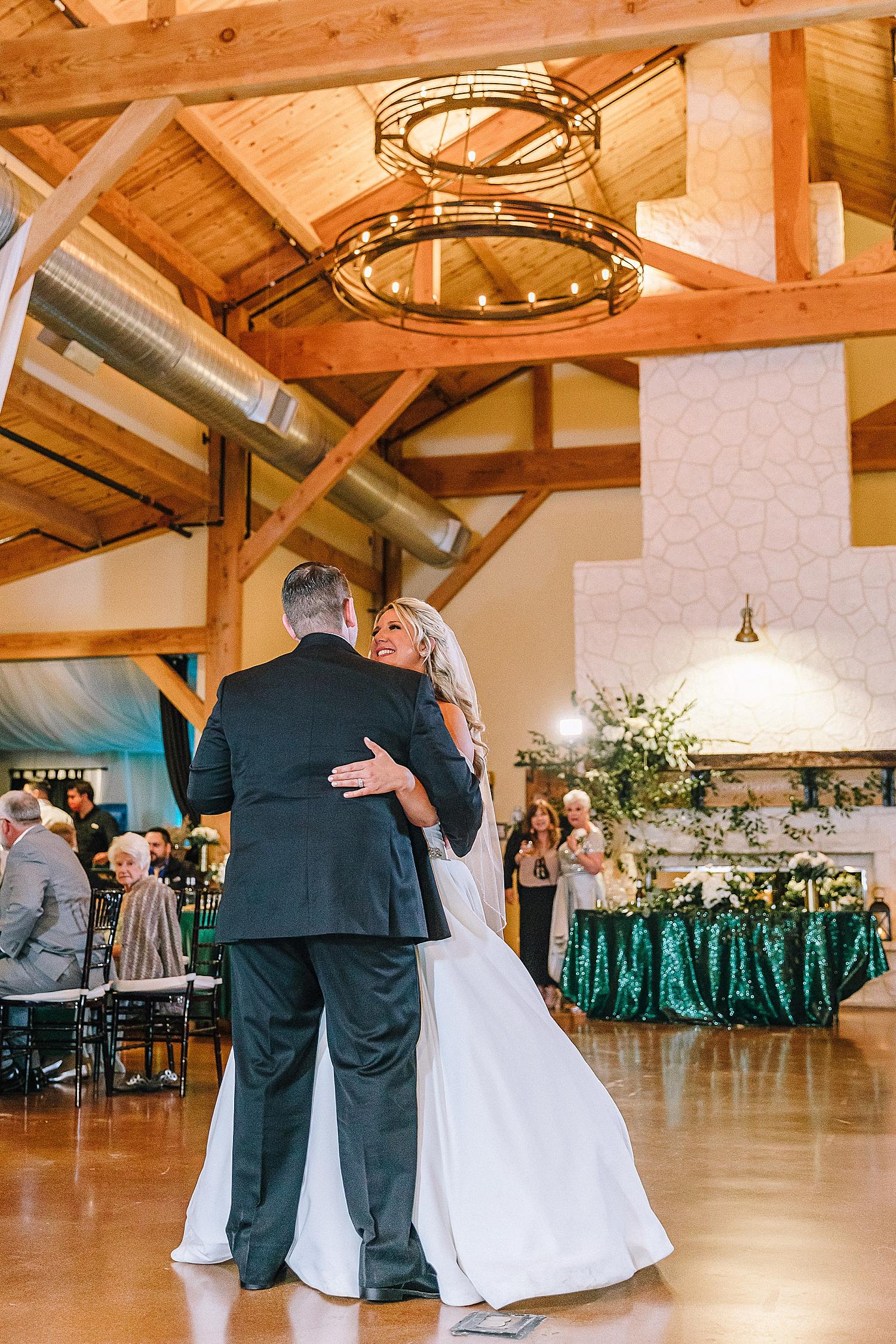 Magnolia-Halle-Wedding-San-Antonio-Texas-Bride-Grom_0110.jpg