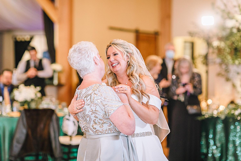 Magnolia-Halle-Wedding-San-Antonio-Texas-Bride-Grom_0111.jpg