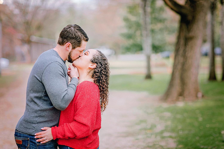 Engagement-photo-session-gruene-new-braunfels-texas-carly-barton-photography_0004.jpg