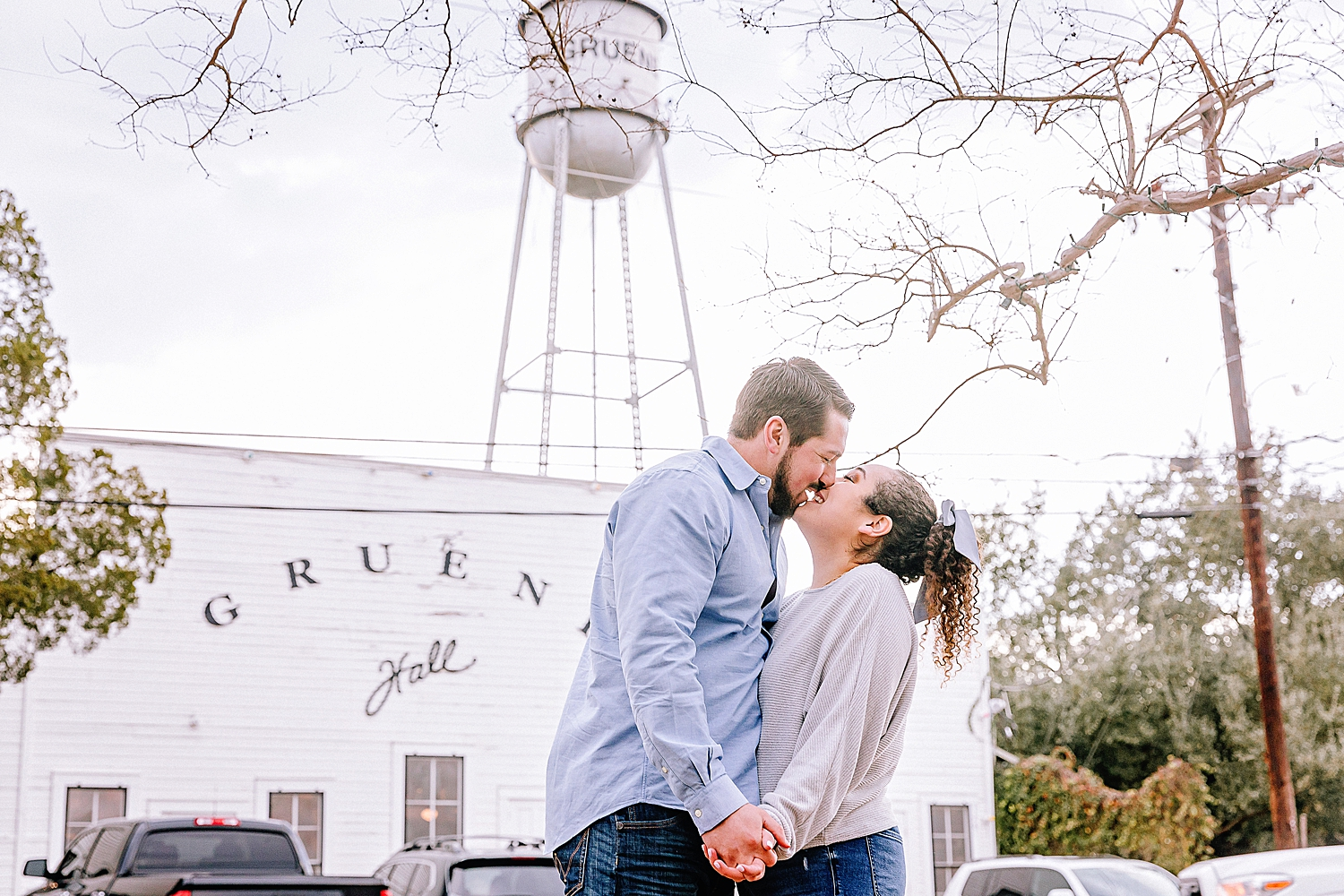 Engagement-photo-session-gruene-new-braunfels-texas-carly-barton-photography_0010.jpg