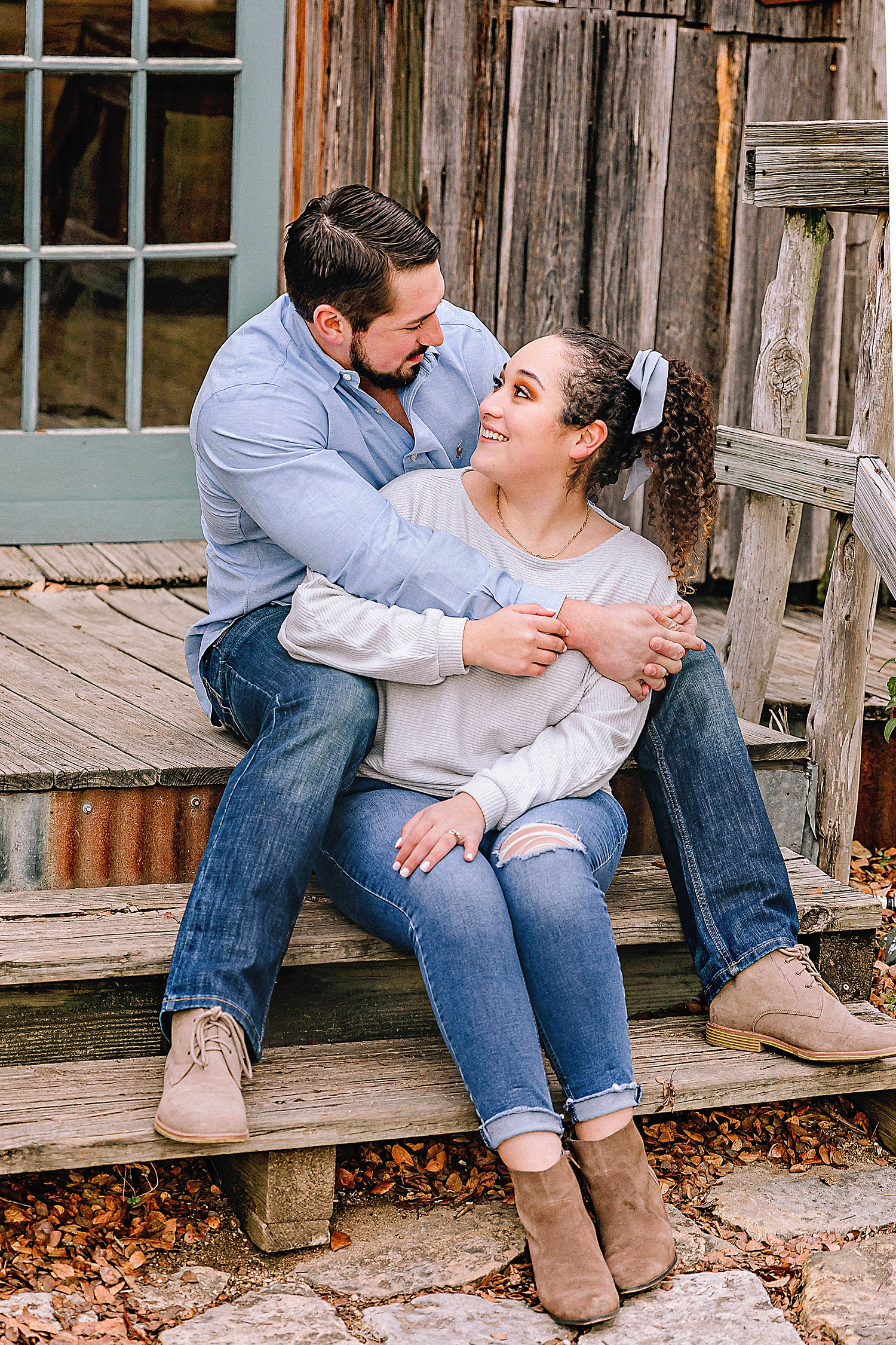 Engagement-photo-session-gruene-new-braunfels-texas-carly-barton-photography_0011.jpg