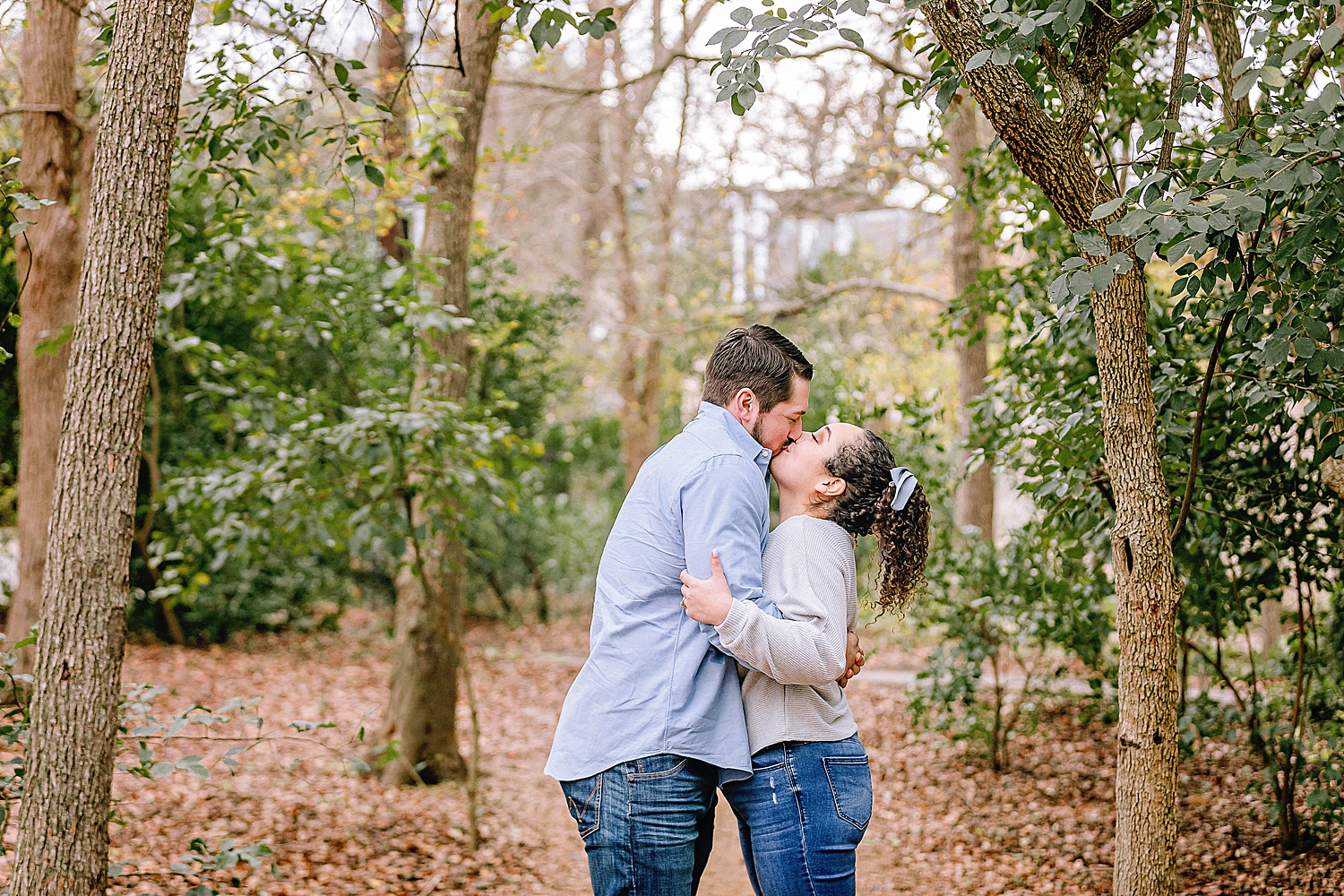 Engagement-photo-session-gruene-new-braunfels-texas-carly-barton-photography_0015.jpg
