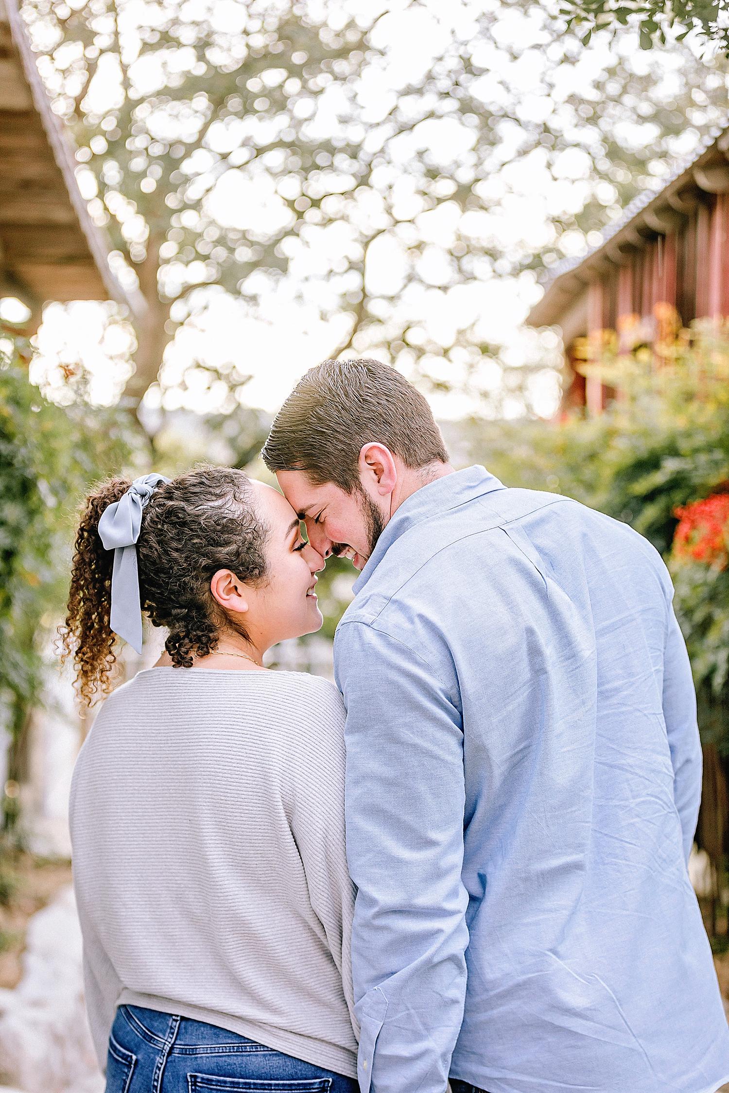 Engagement-photo-session-gruene-new-braunfels-texas-carly-barton-photography_0027.jpg