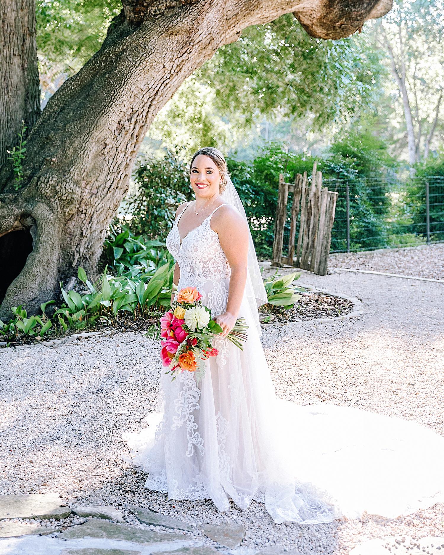 Gruene-Estate-Wedding-New-Braunfels-Bride-Bridal-Photos-Carly-Barton-Photography_0002.jpg