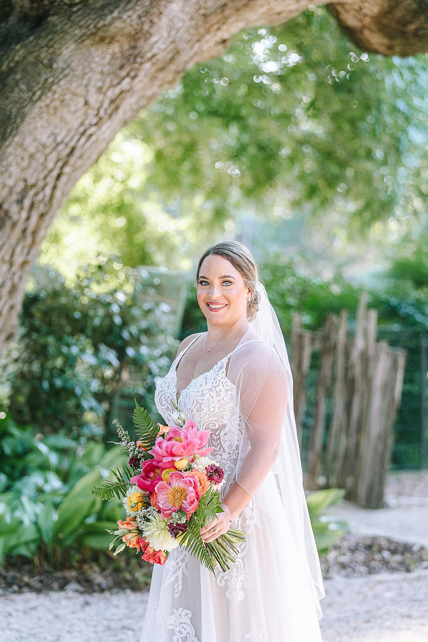 Gruene-Estate-Wedding-New-Braunfels-Bride-Bridal-Photos-Carly-Barton-Photography_0003.jpg