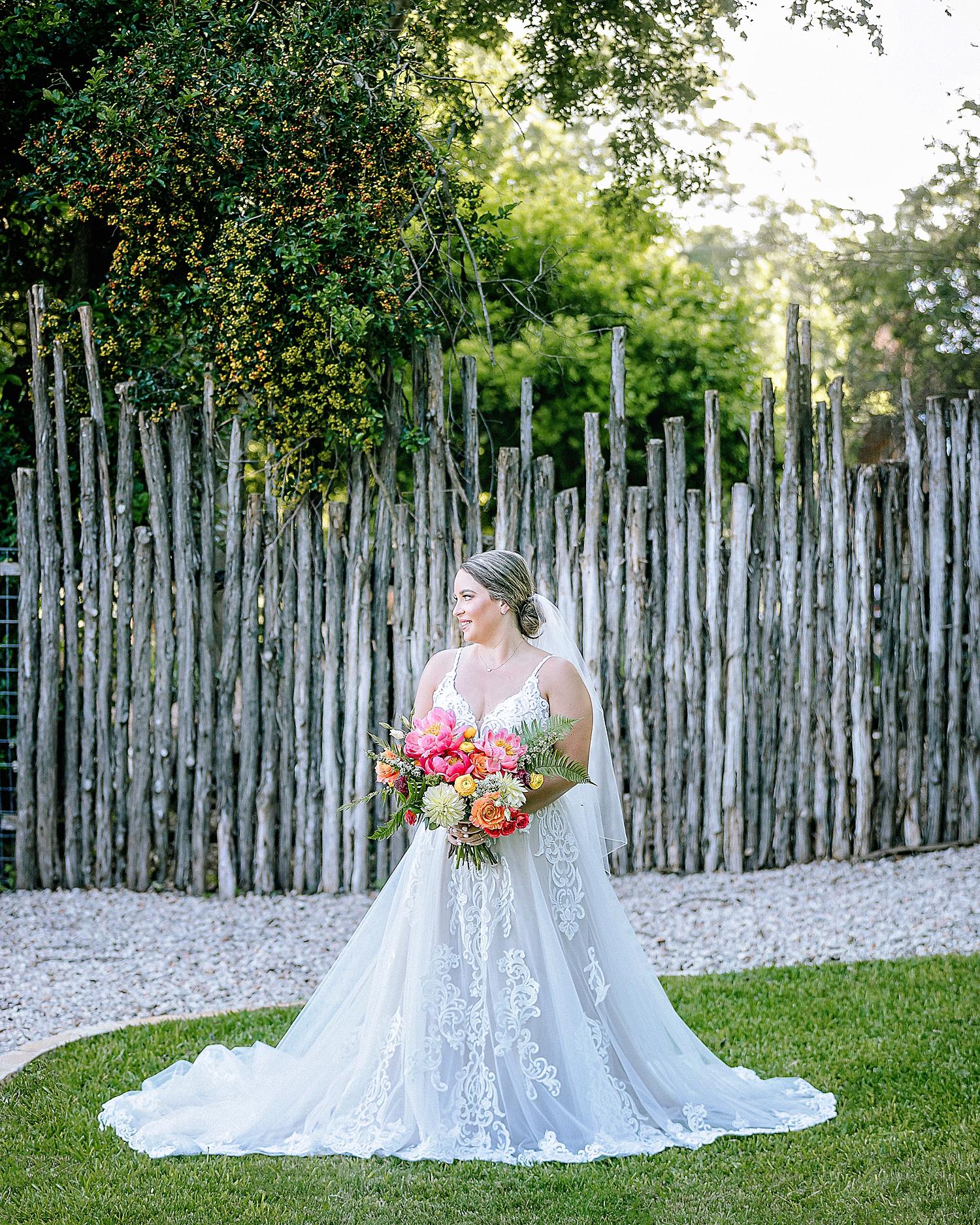 Gruene-Estate-Wedding-New-Braunfels-Bride-Bridal-Photos-Carly-Barton-Photography_0006.jpg
