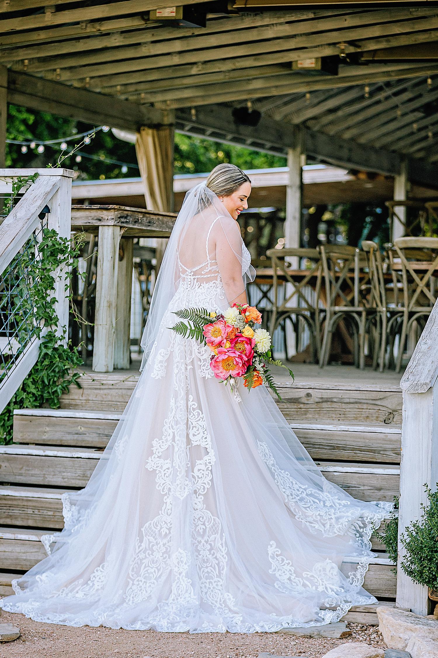 Gruene-Estate-Wedding-New-Braunfels-Bride-Bridal-Photos-Carly-Barton-Photography_0007.jpg
