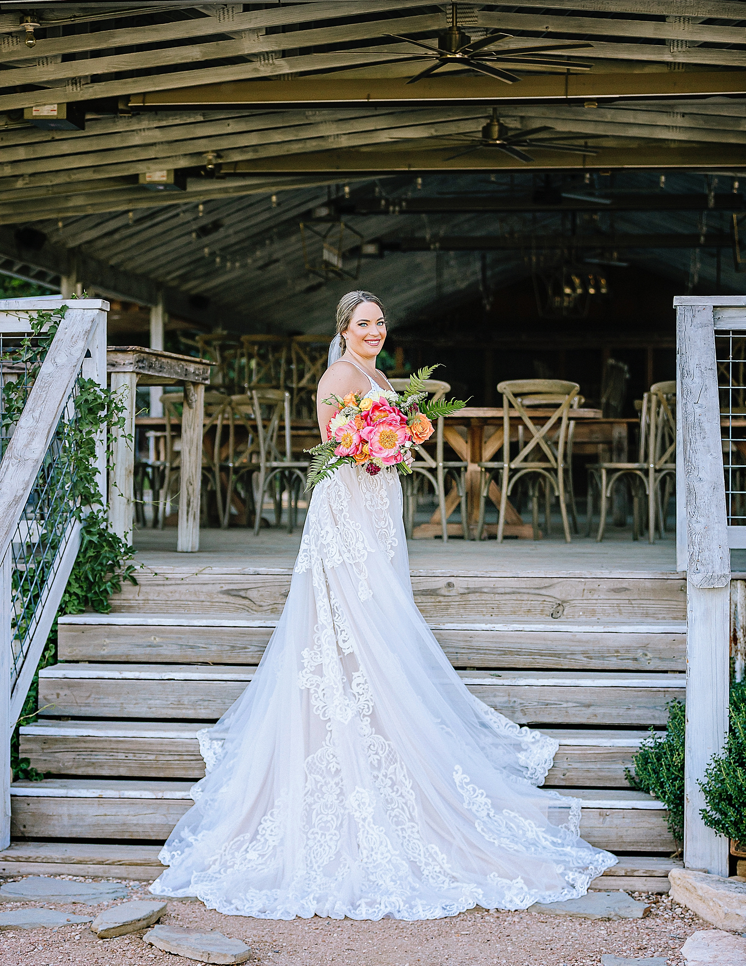Gruene-Estate-Wedding-New-Braunfels-Bride-Bridal-Photos-Carly-Barton-Photography_0008.jpg