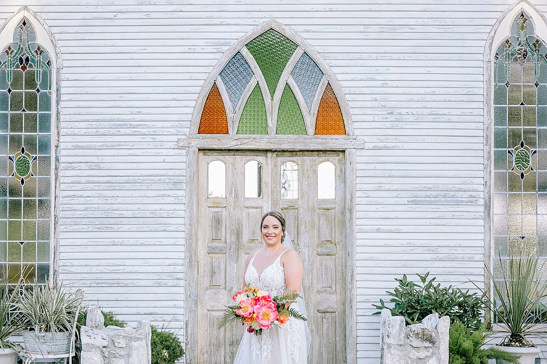 Gruene-Estate-Wedding-New-Braunfels-Bride-Bridal-Photos-Carly-Barton-Photography_0011.jpg