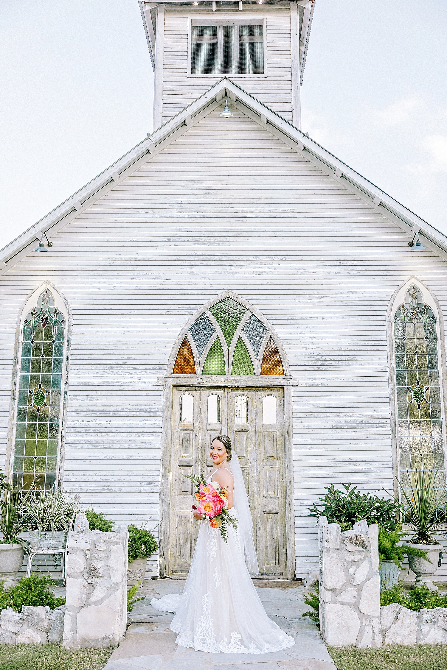 Gruene-Estate-Wedding-New-Braunfels-Bride-Bridal-Photos-Carly-Barton-Photography_0013.jpg