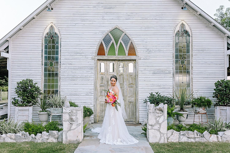 Gruene-Estate-Wedding-New-Braunfels-Bride-Bridal-Photos-Carly-Barton-Photography_0014.jpg