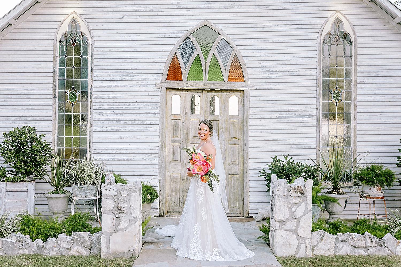 Gruene-Estate-Wedding-New-Braunfels-Bride-Bridal-Photos-Carly-Barton-Photography_0015.jpg