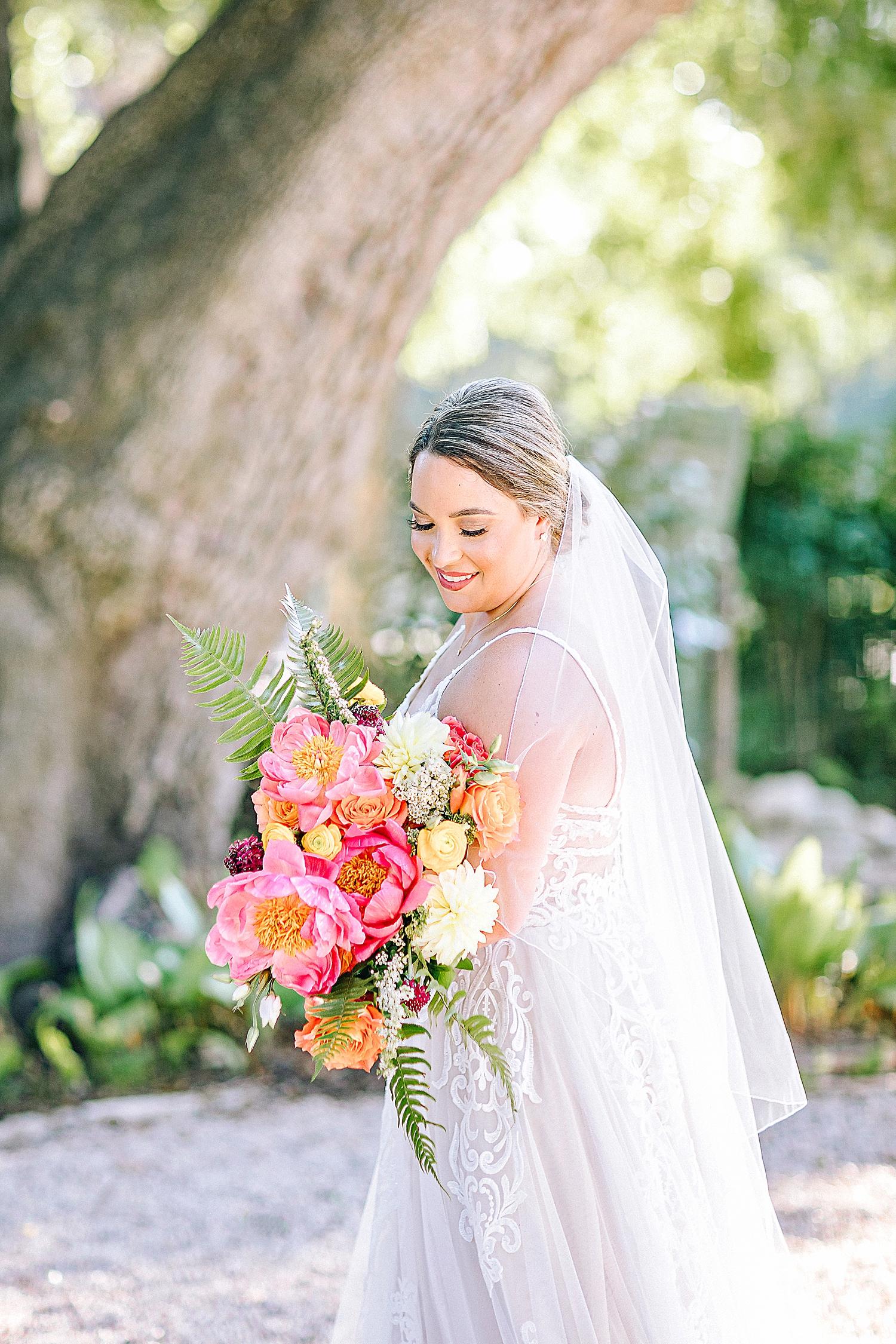 Gruene-Estate-Wedding-New-Braunfels-Bride-Bridal-Photos-Carly-Barton-Photography_0016.jpg