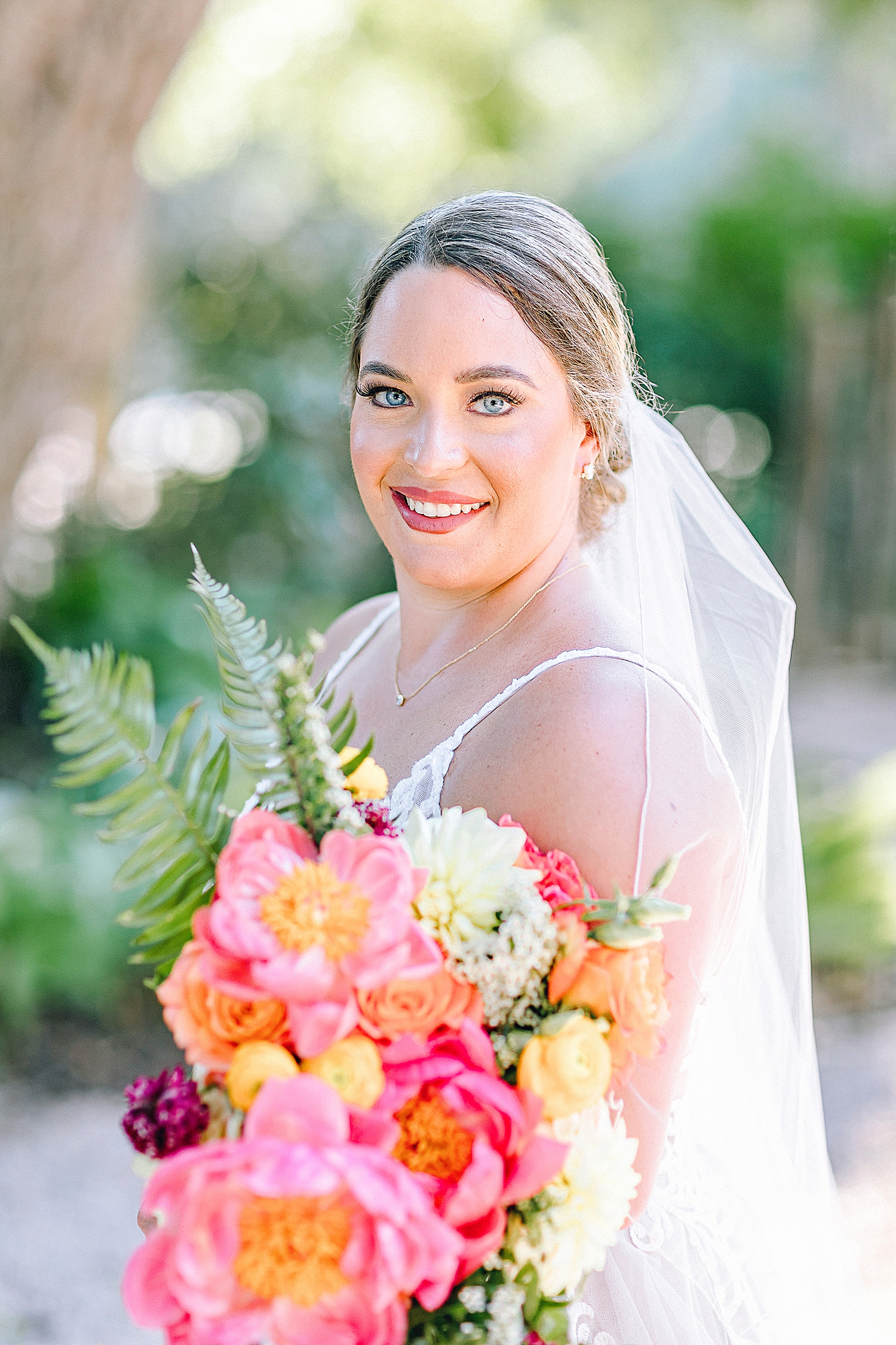 Gruene-Estate-Wedding-New-Braunfels-Bride-Bridal-Photos-Carly-Barton-Photography_0017.jpg