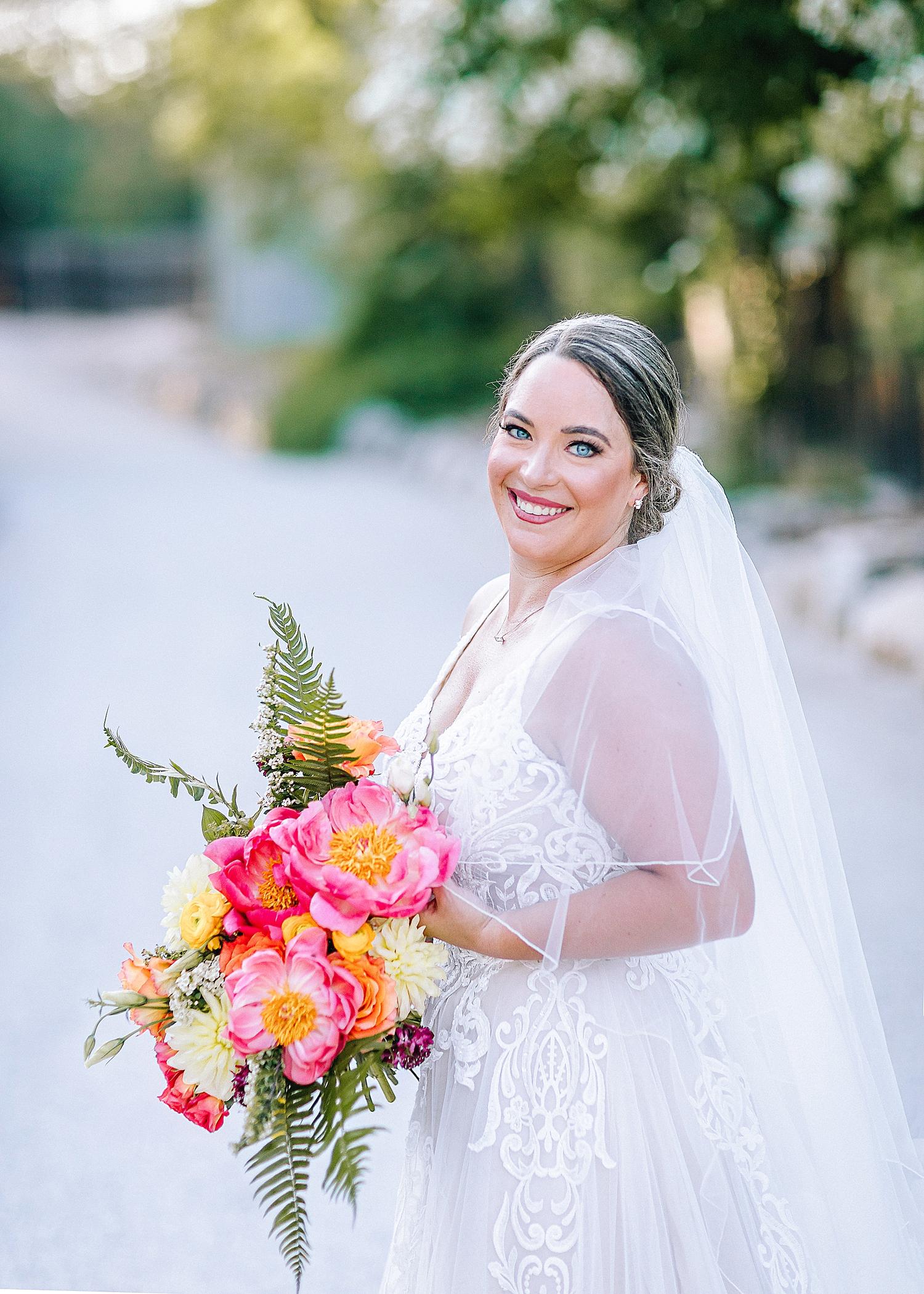 Gruene-Estate-Wedding-New-Braunfels-Bride-Bridal-Photos-Carly-Barton-Photography_0022.jpg