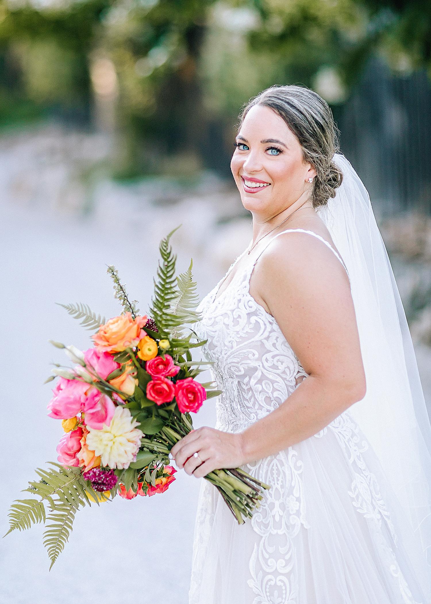 Gruene-Estate-Wedding-New-Braunfels-Bride-Bridal-Photos-Carly-Barton-Photography_0023.jpg