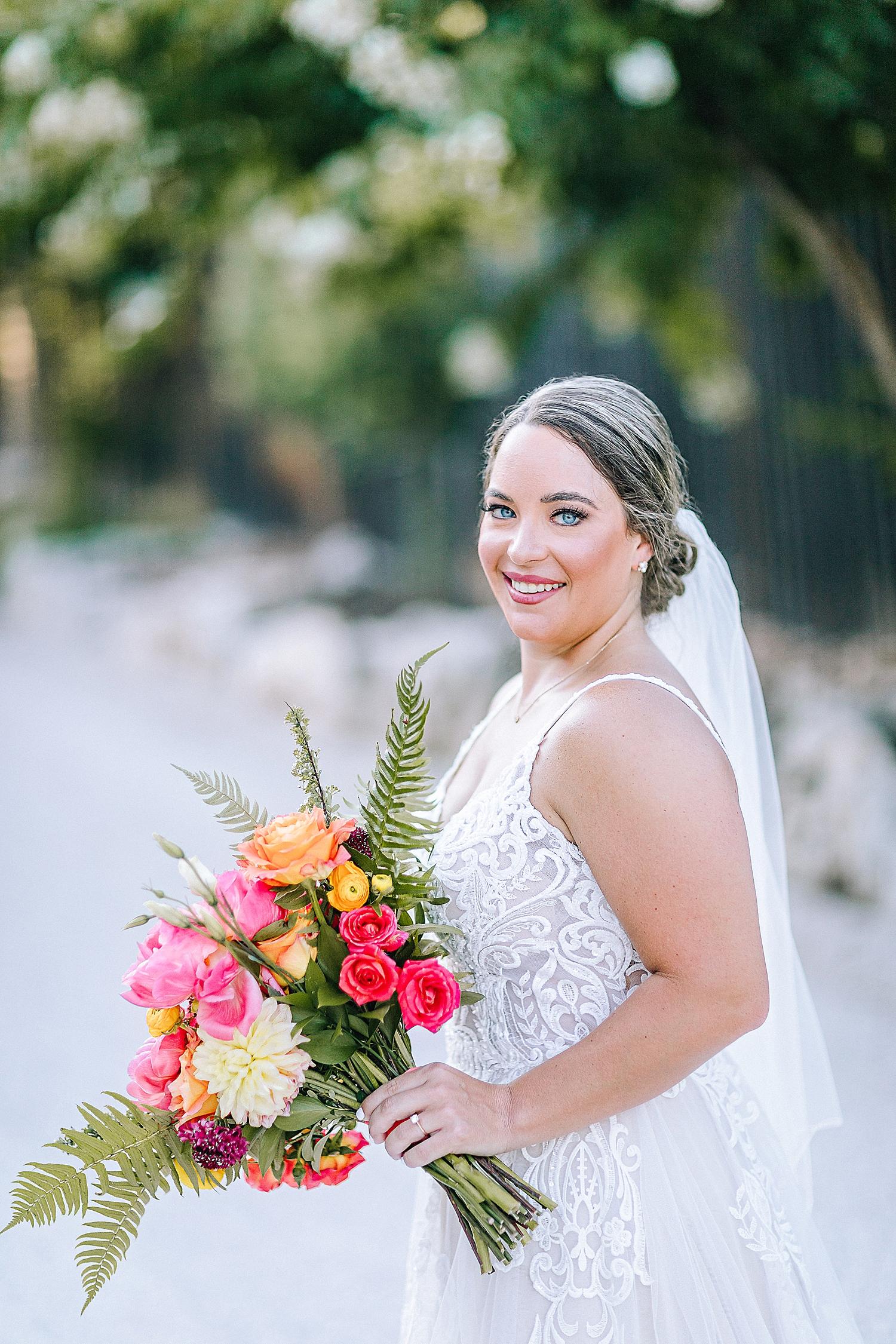 Gruene-Estate-Wedding-New-Braunfels-Bride-Bridal-Photos-Carly-Barton-Photography_0024.jpg