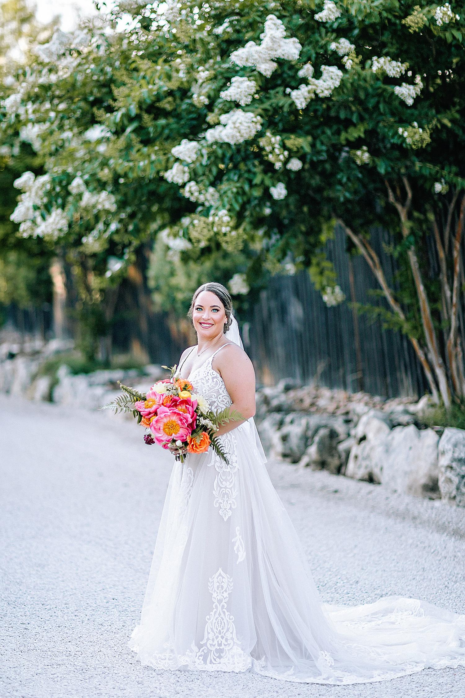 Gruene-Estate-Wedding-New-Braunfels-Bride-Bridal-Photos-Carly-Barton-Photography_0025.jpg