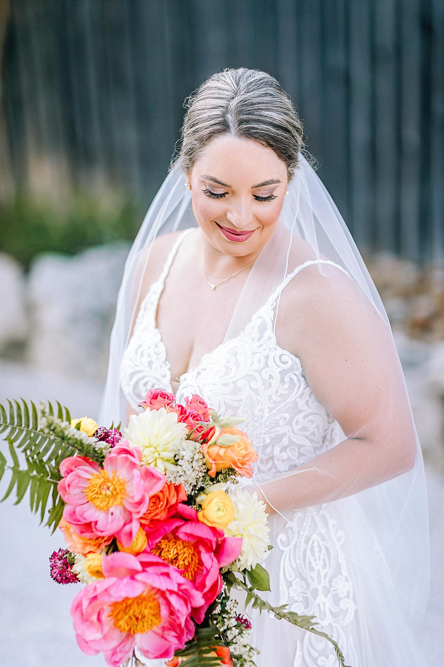 Gruene-Estate-Wedding-New-Braunfels-Bride-Bridal-Photos-Carly-Barton-Photography_0027.jpg