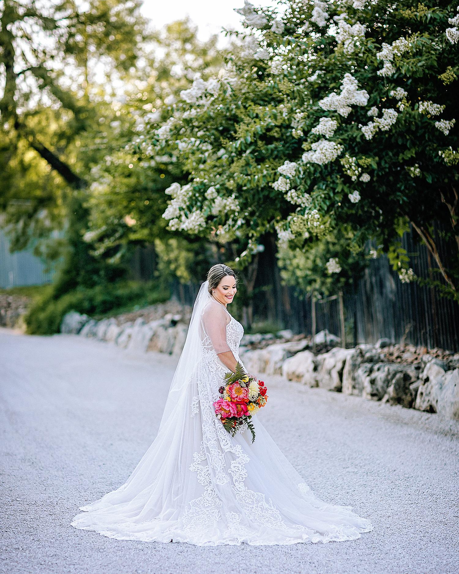 Gruene-Estate-Wedding-New-Braunfels-Bride-Bridal-Photos-Carly-Barton-Photography_0028.jpg