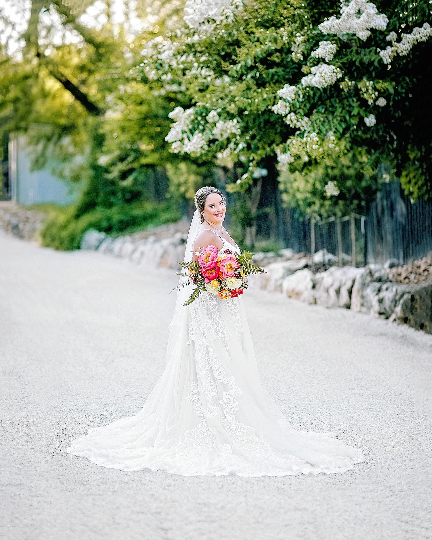 Gruene-Estate-Wedding-New-Braunfels-Bride-Bridal-Photos-Carly-Barton-Photography_0030.jpg