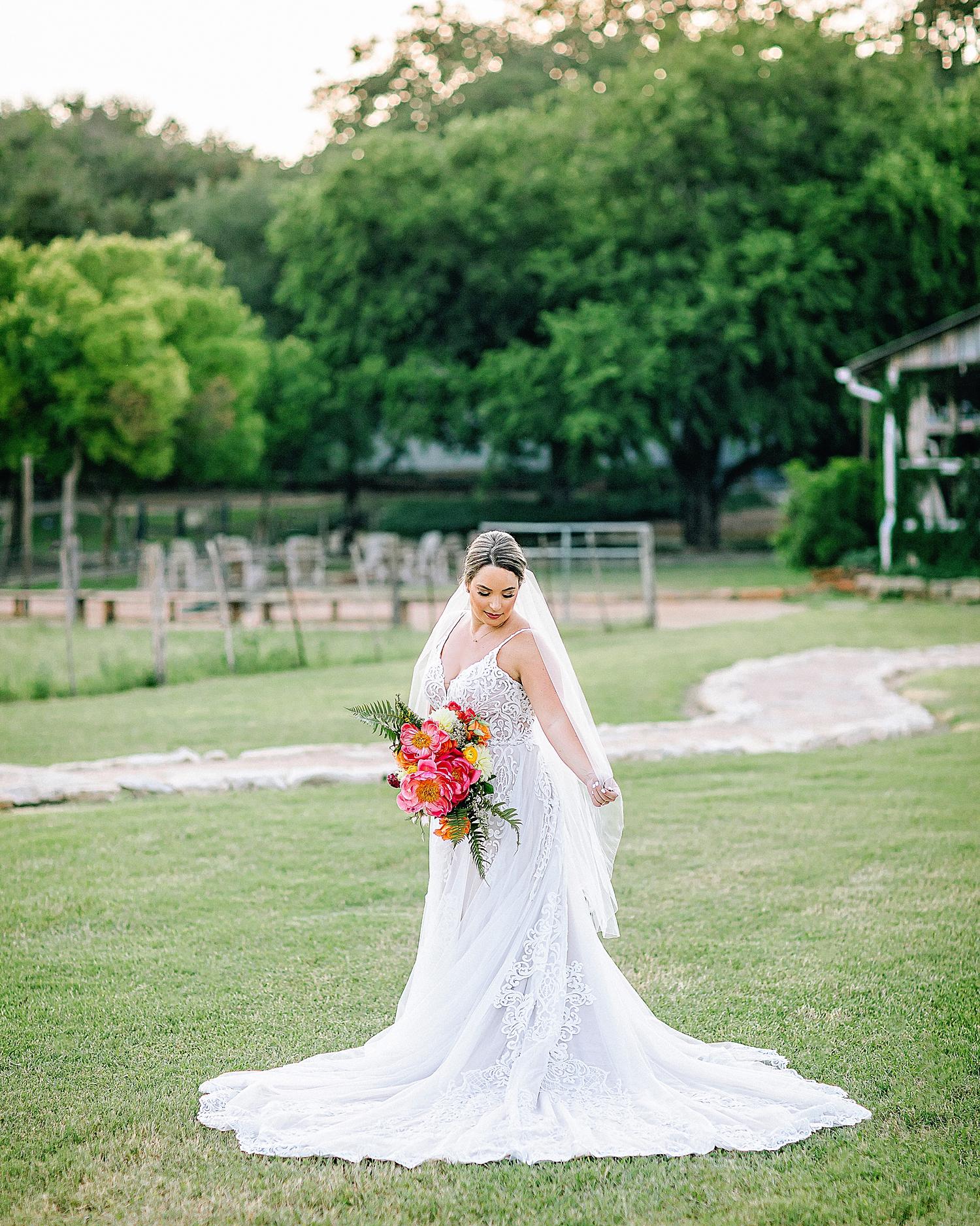 Gruene-Estate-Wedding-New-Braunfels-Bride-Bridal-Photos-Carly-Barton-Photography_0035.jpg