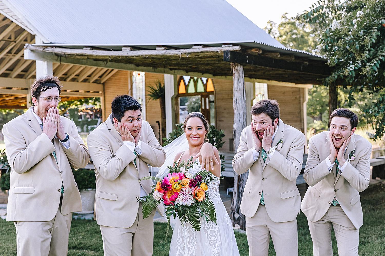 Gruene-Estate-Wedding-New-Braunfels-Bride-Wedding-Photos-Carly-Barton-Photography_0096.jpg