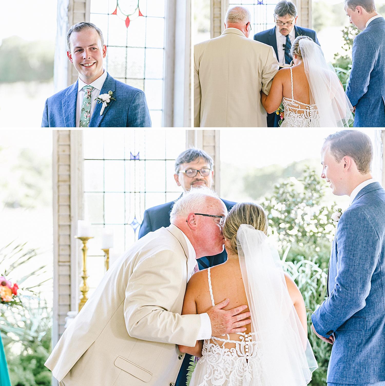 Gruene-Estate-Wedding-New-Braunfels-Bride-Wedding-Photos-Carly-Barton-Photography_0132.jpg