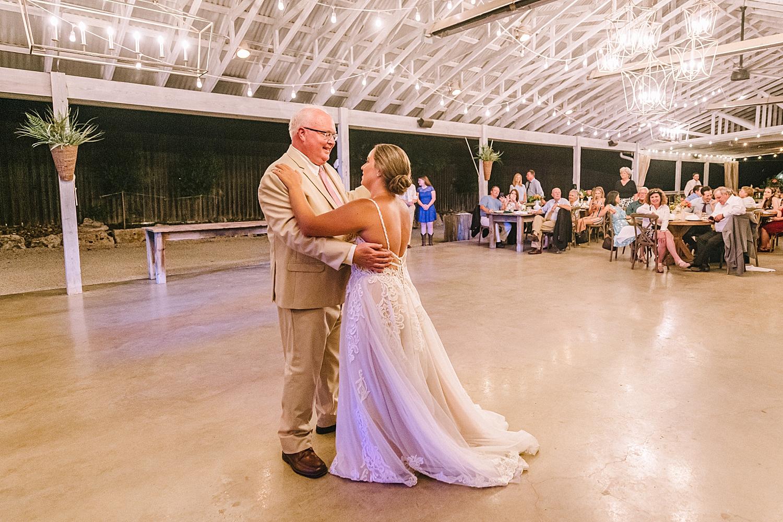 Gruene-Estate-Wedding-New-Braunfels-Bride-Wedding-Photos-Carly-Barton-Photography_0168.jpg