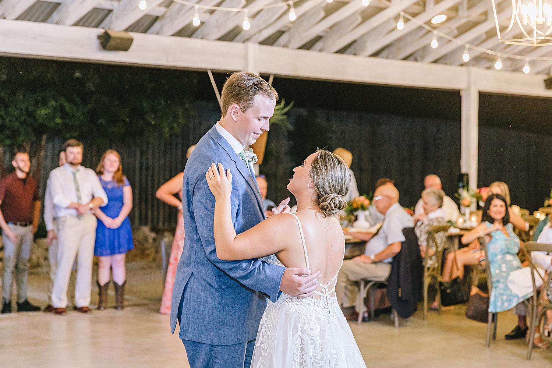 Gruene-Estate-Wedding-New-Braunfels-Bride-Wedding-Photos-Carly-Barton-Photography_0173.jpg